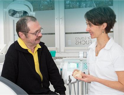 Behandlung bei Zahnarzt Ludwigsfelde