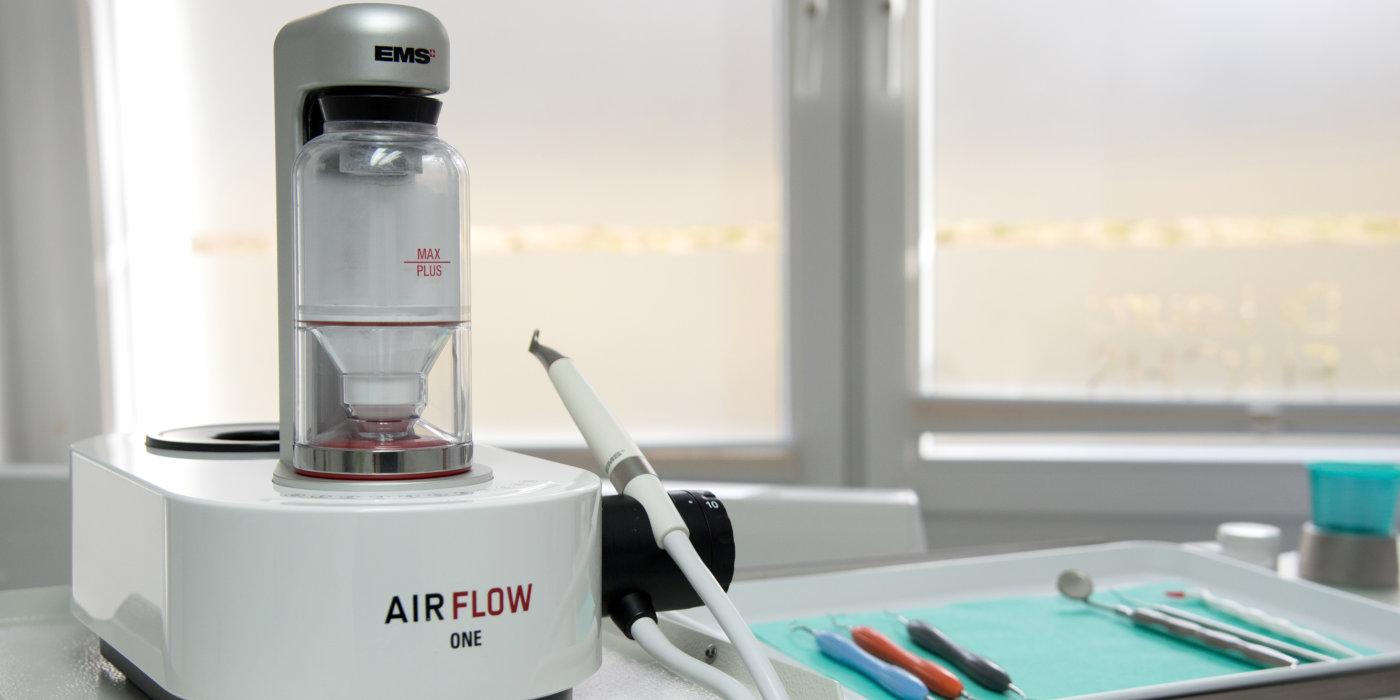 AirFlow Behandlungsgerät Zahnarzt Ludwigsfelde